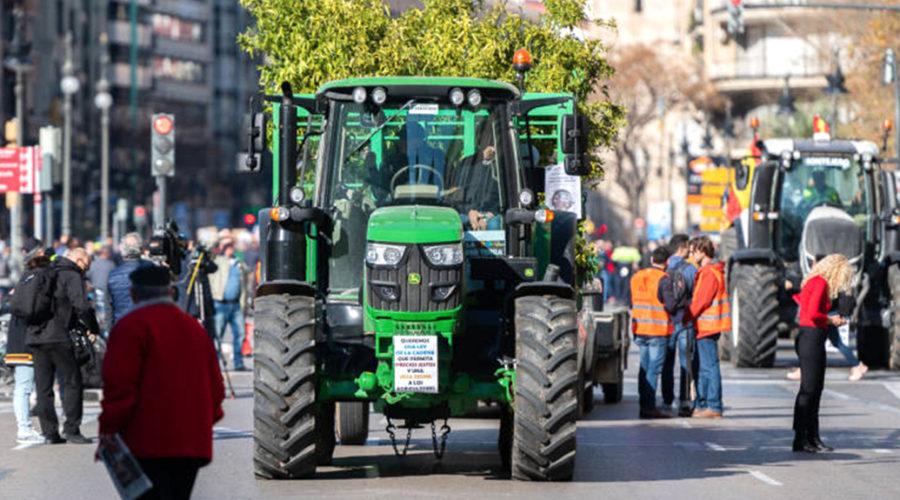 Los agricultores valencianos, en pie de guerra